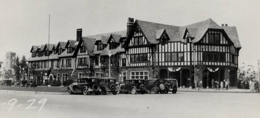 Historic Mariemont Village Square